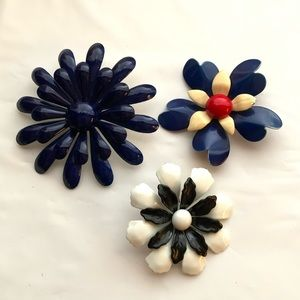 Jewelry - Vintage metal flower brooches brooch pin pins